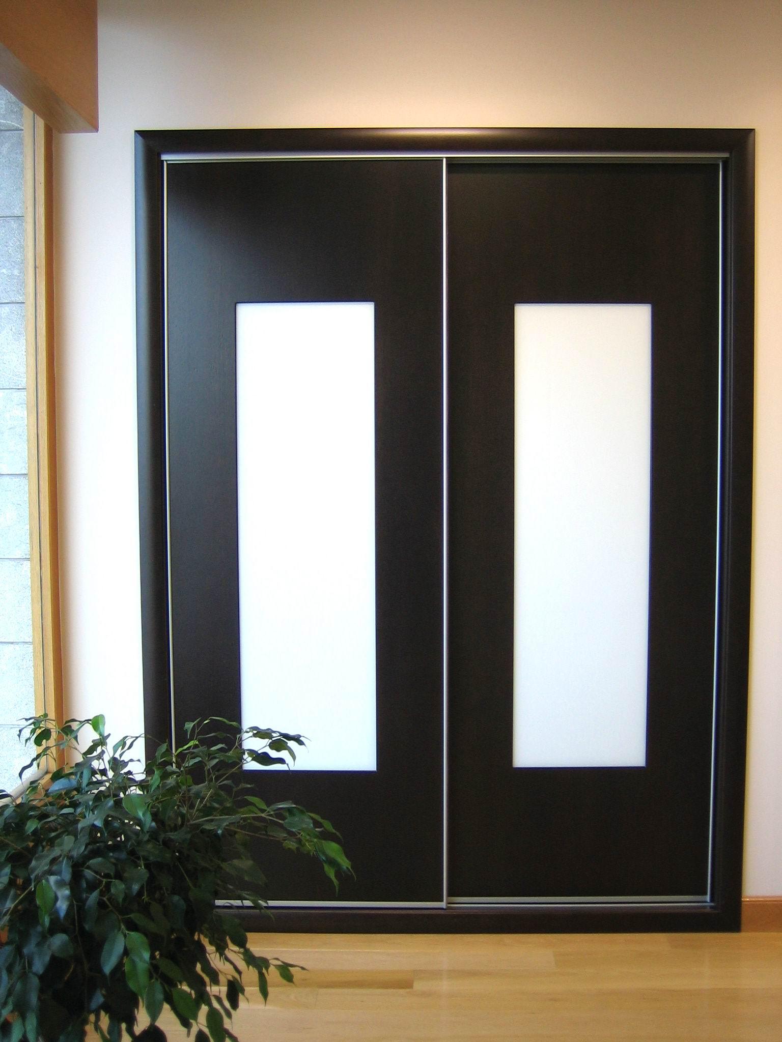 Fbrica de puertas y ventanas de madera de la marina for Imagenes de puertas de madera